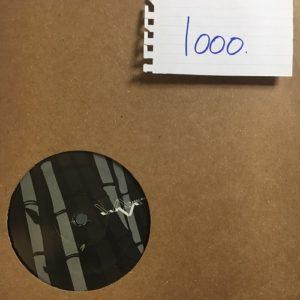 IW003